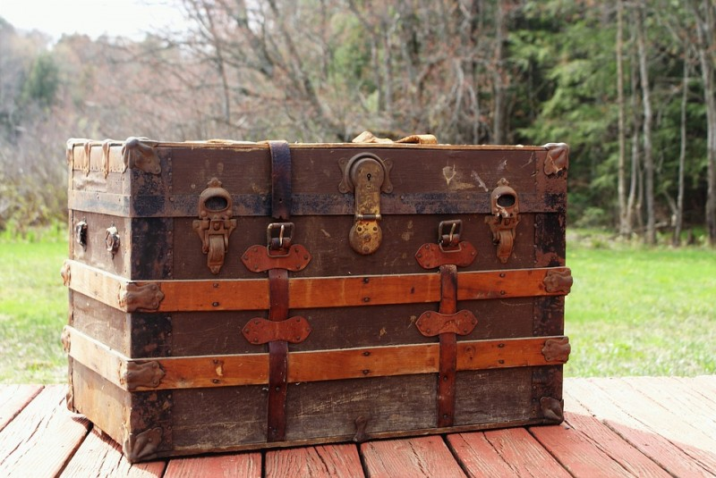 steamer-trunk-3414018_960_720